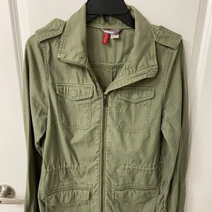 Military green H&M Divided Utility Parka jacket. Size 6